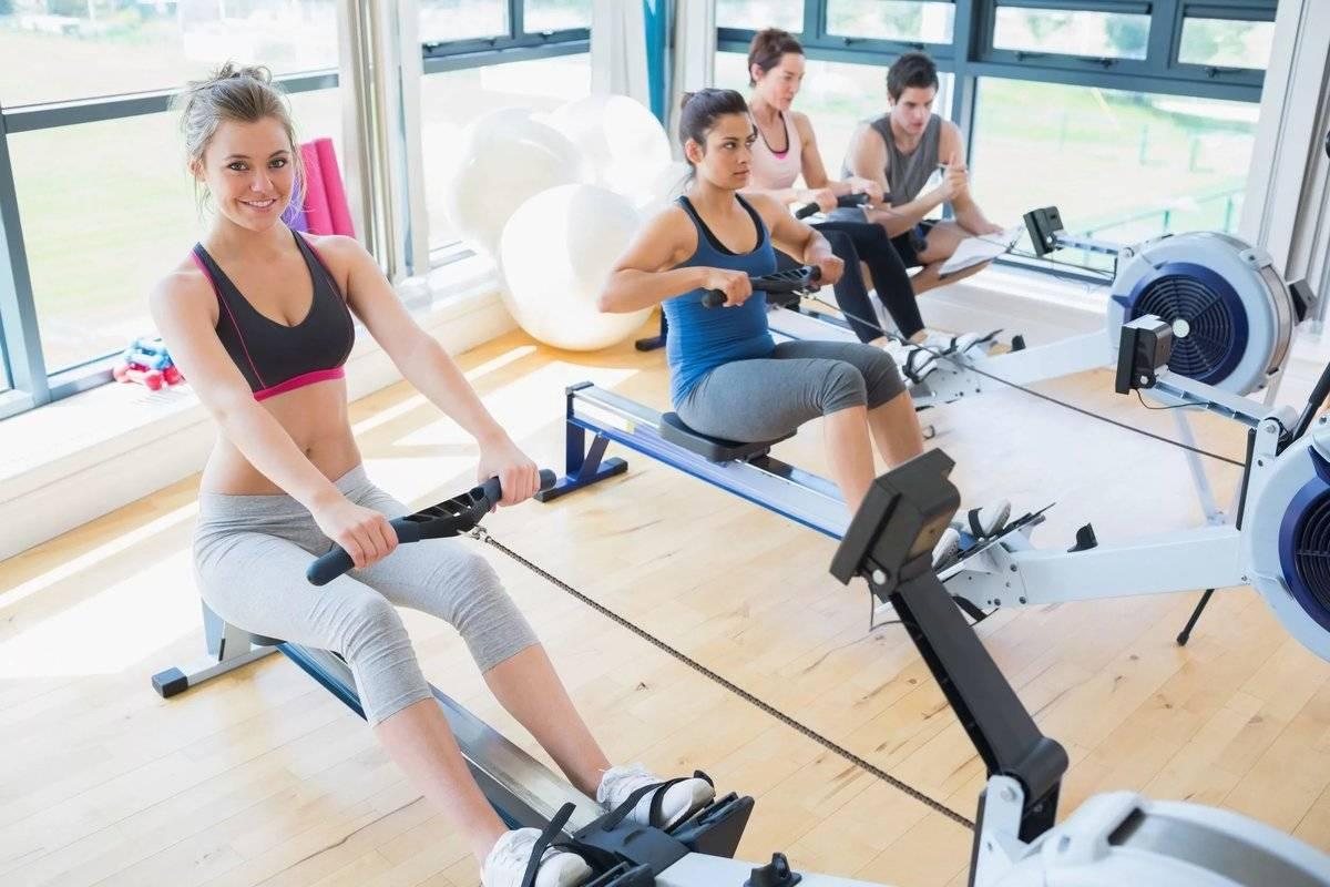 Подборка упражнений девушкам в тренажерном зале для рук.