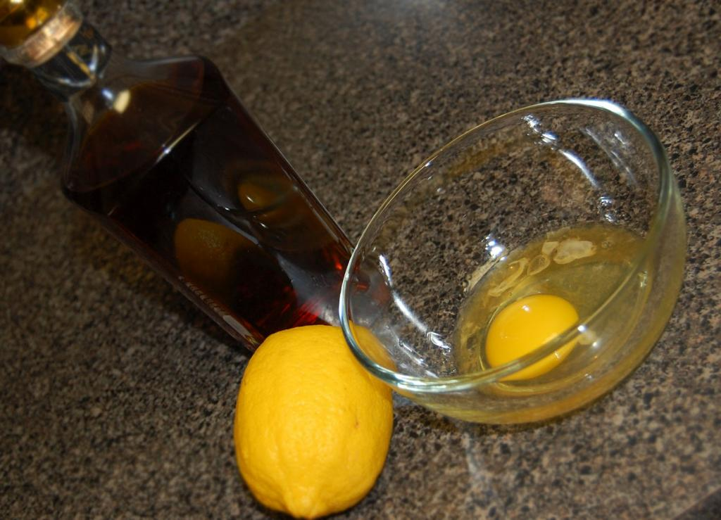 Маска для волос с коньяком и яйцом в домашних условиях
