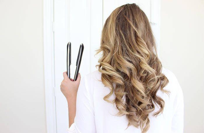 Как сделать легкие локоны на средние волосы?