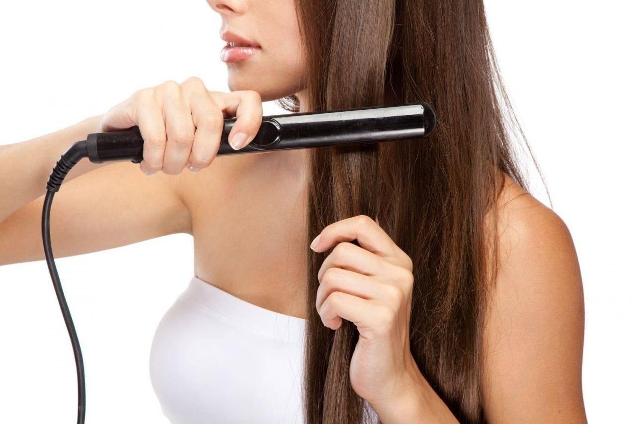 Выпрямление волос: как правильно выпрямить волосы утюжком в домашних условиях | wmj.ru