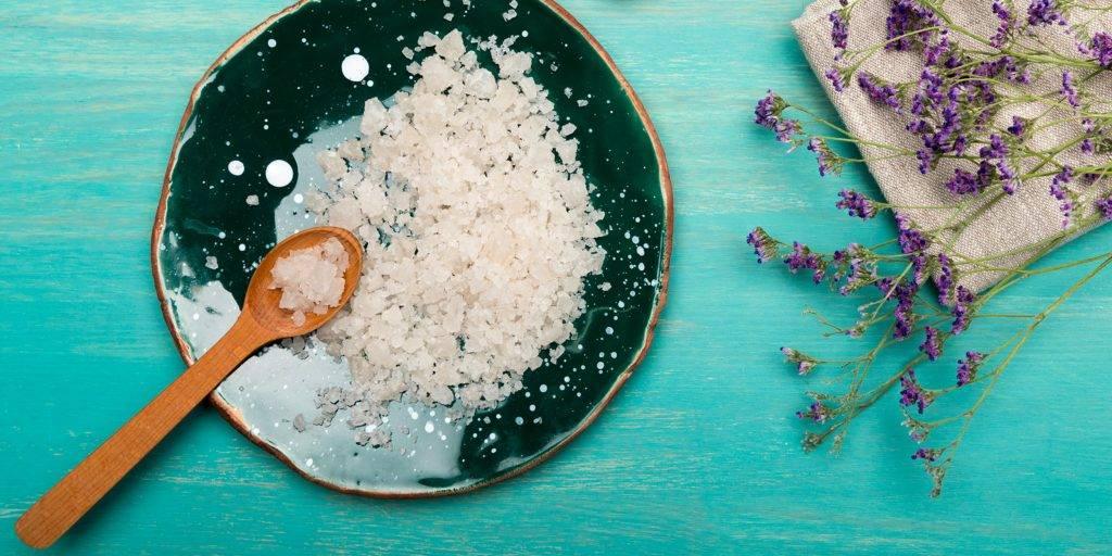 Скраб для волос из соли - польза и эффективные домашние рецепты