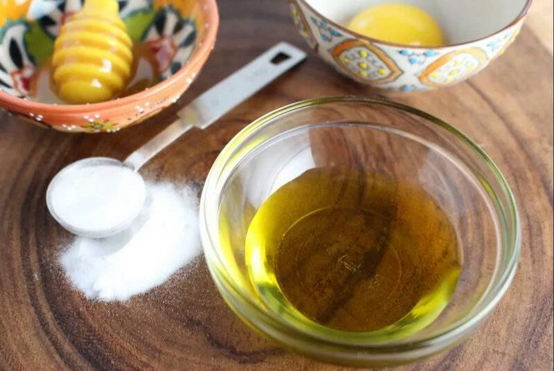 Яичная маска для волос из желтков - 6 лучших рецептов с маслами, медом и лимоном