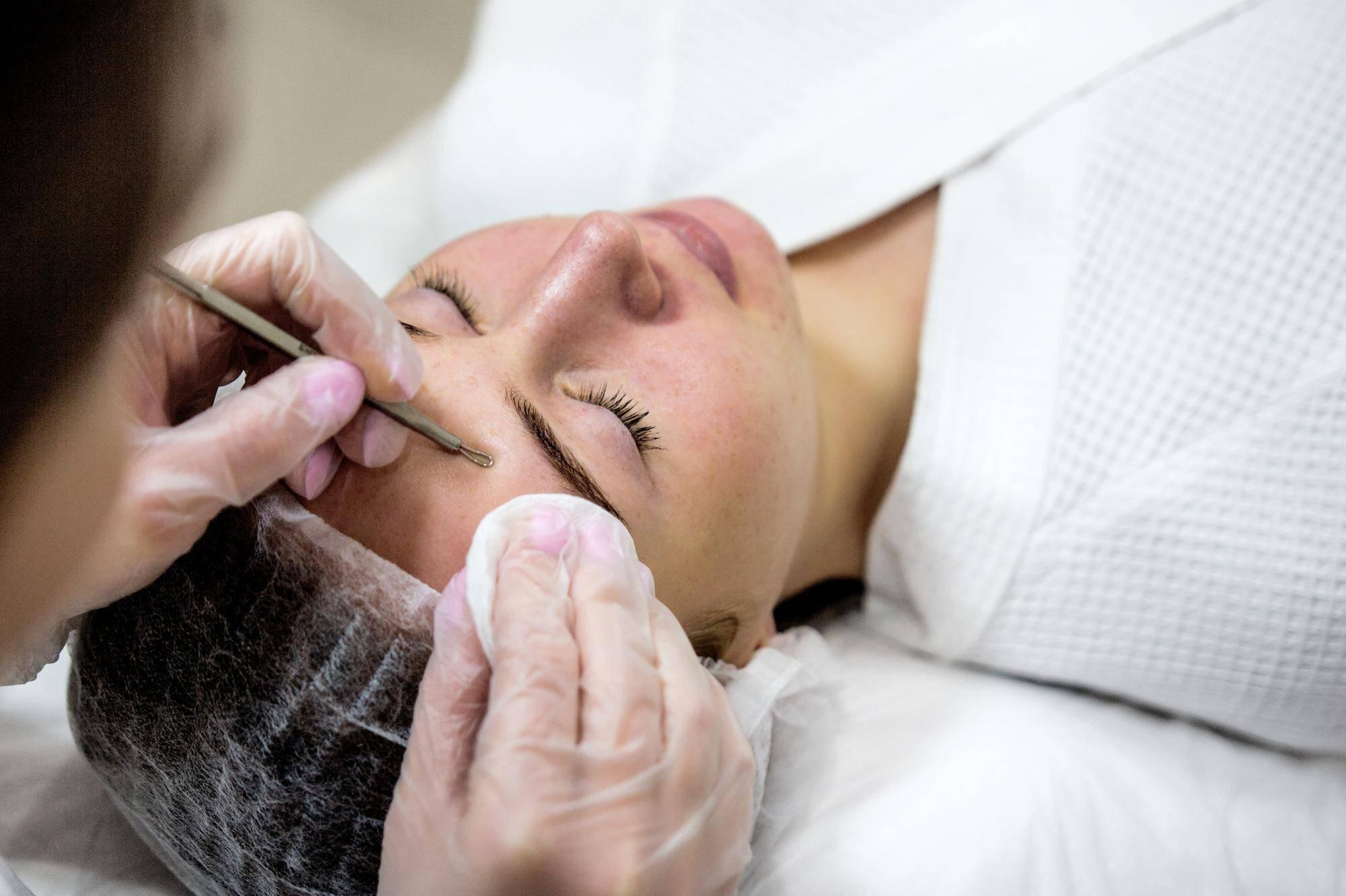 Ультразвуковая чистка лица: когда можно делать, процедура и противопоказания