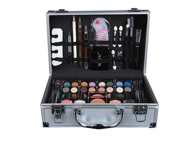 Набор косметики для макияжа в чемоданчике купить в интернет магазине профессиональная косметика gehwol купить