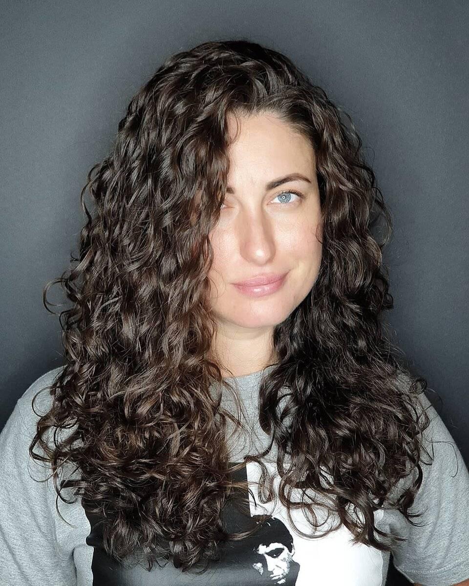 Биозавивка волос на средние волосы: крупные локоны. описание с фото, выбор средства, щадящая формула, размер завитка и особенности ухода после процедуры - luv.ru