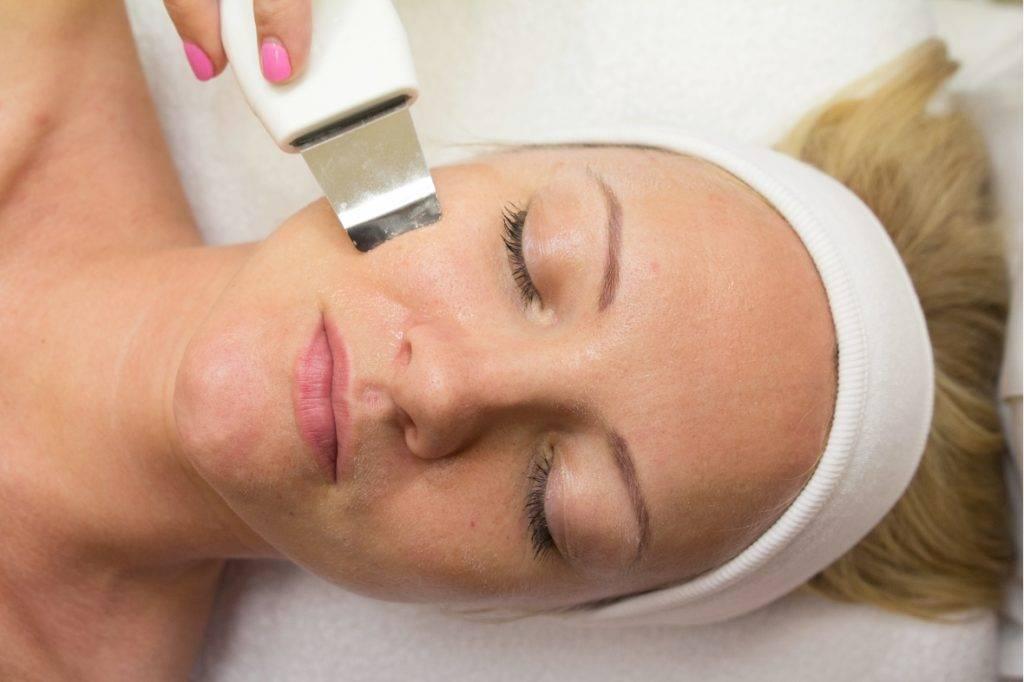 Ультразвуковая чистка лица: отзывы косметологов, что такое уз процедура, фото до и после, цена, можно ли делать в домашних условиях и как часто, видео, противопоказания и при беременности, сколько стоит гель, уход после