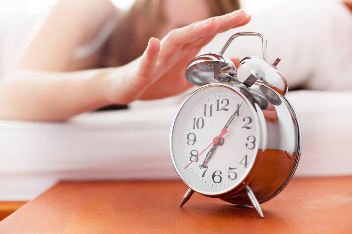 Как научиться встать рано утром если поздно лег