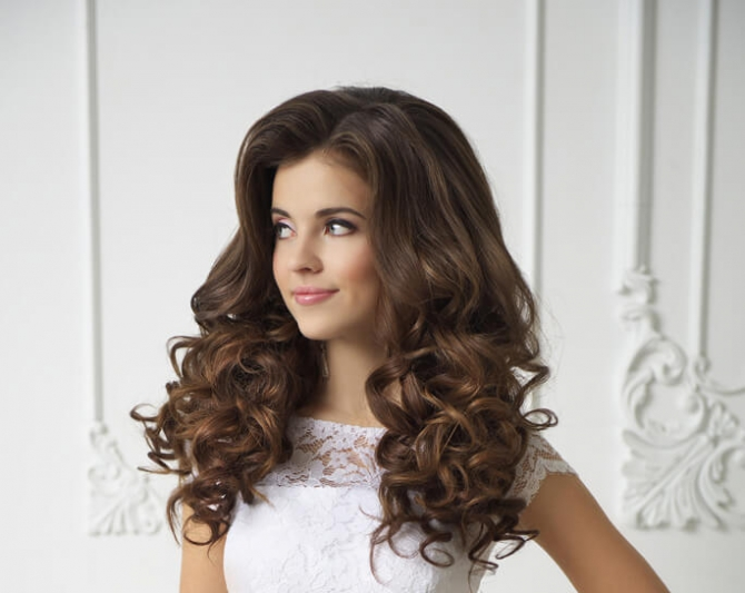 Прически с накрученными волосами: 7 способов создать волнистые локоны