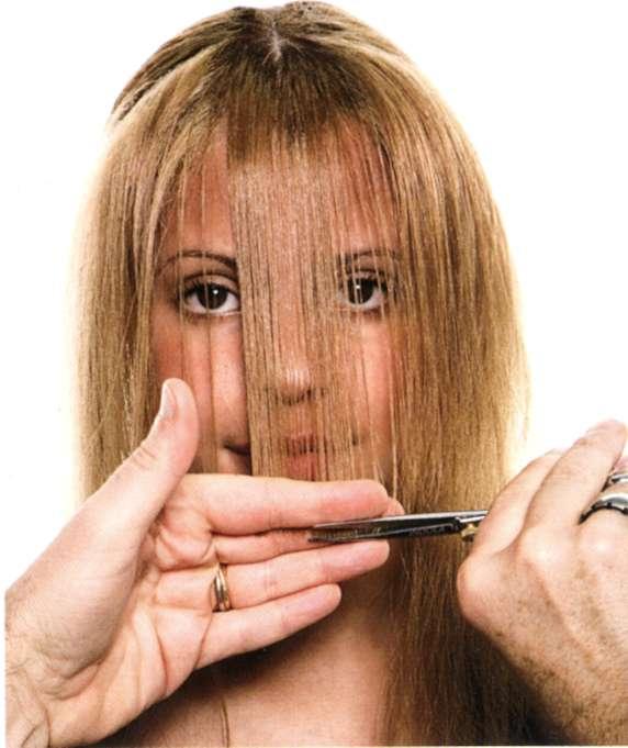 Как подстричь косую челку?