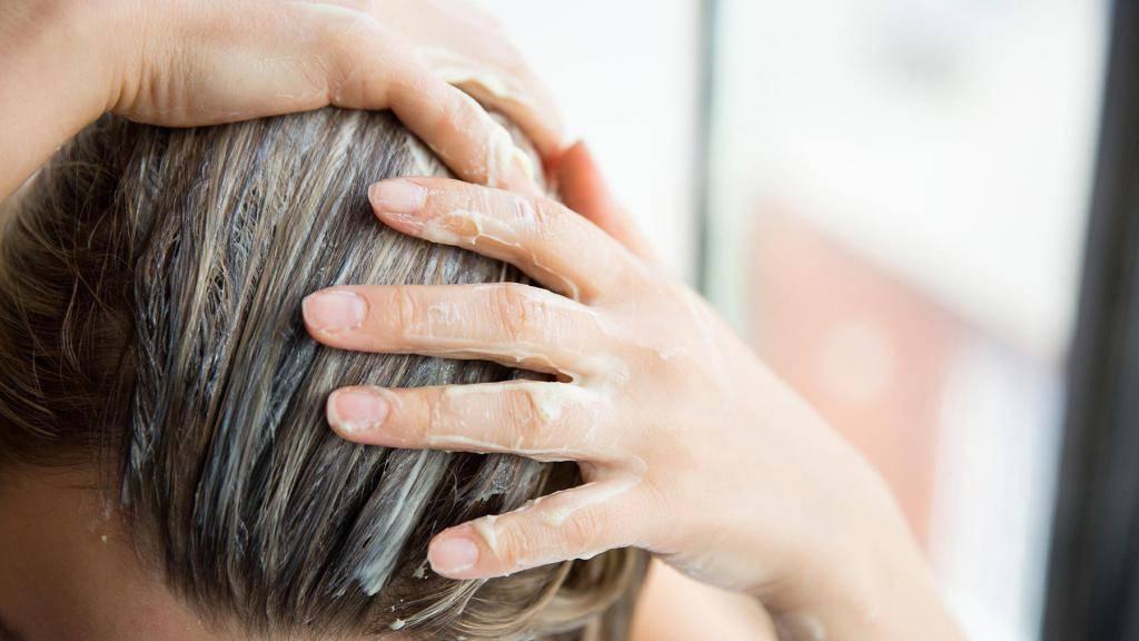 Скраб для волос и кожи головы, или как в домашних условиях восстановить пряди солью, кофе и глиной
