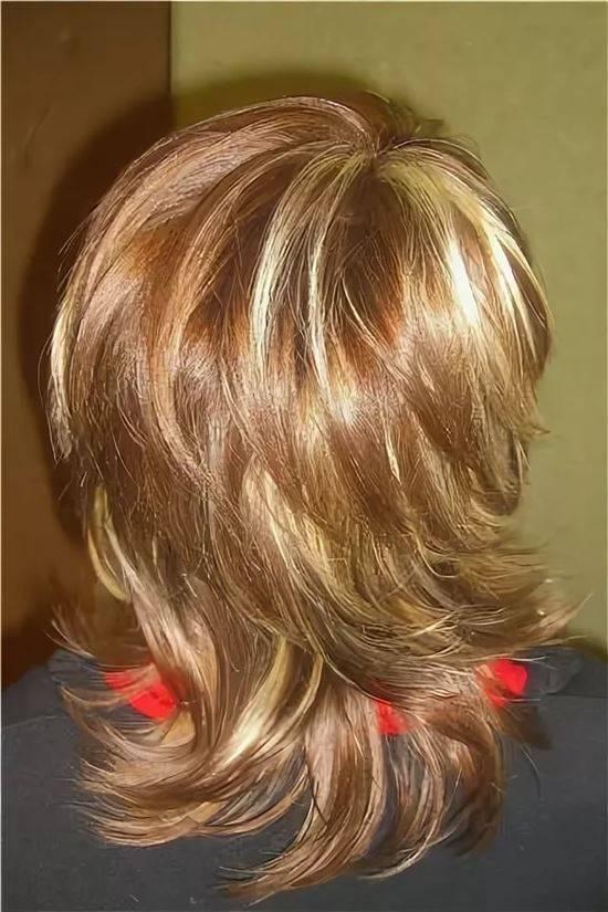 Колорирование на темные и светлые волосы в домашних условиях