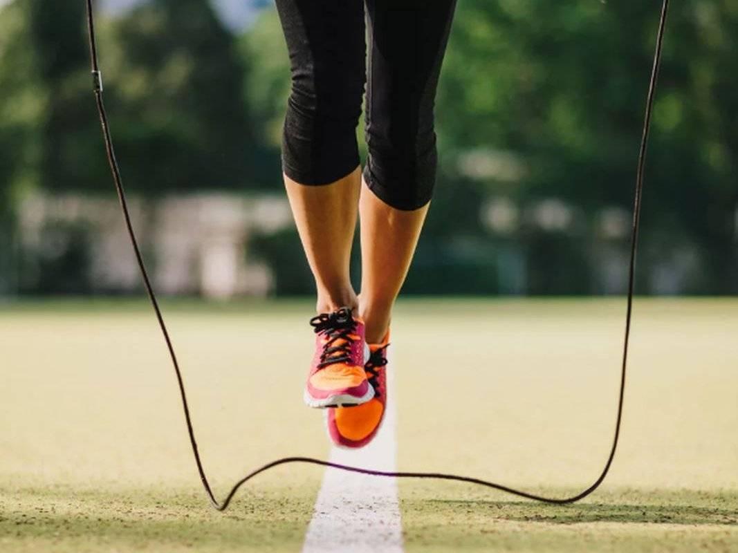 Сколько калорий сжигает скакалка за 100 прыжков?
