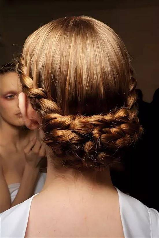 Прически с косами: фото