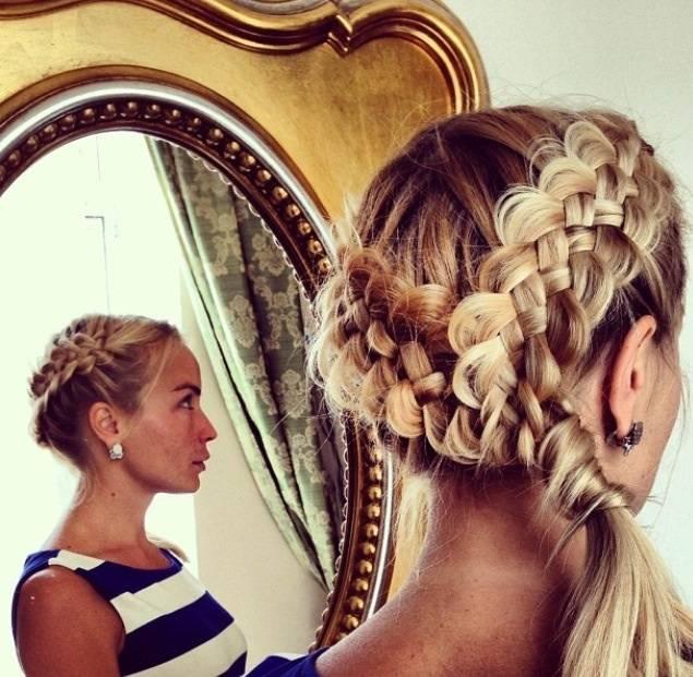 Как вплетать цветные волосы (канекалон) в косу?