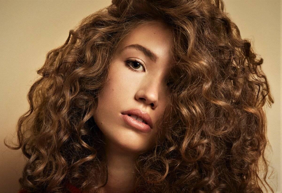 Как сделать красивые кудри на длинные волосы в домашних условиях