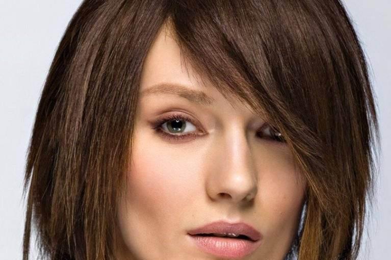 Челка 2021 - модные тенденции, фото на длинные волосы
